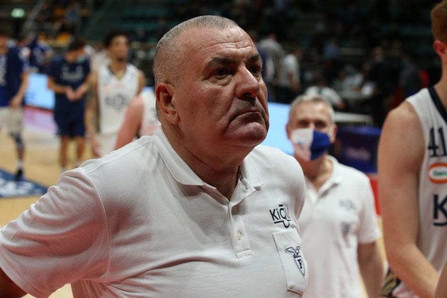 Fortitudo, coach Repesa annuncia le sue dimissioni