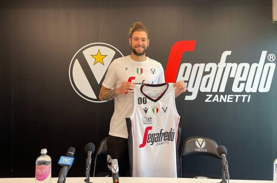 Virtus Segafredo, presentato Cordinier: 'Sono qui per migliorare, passo dopo passo, in un club che vuole vincere'